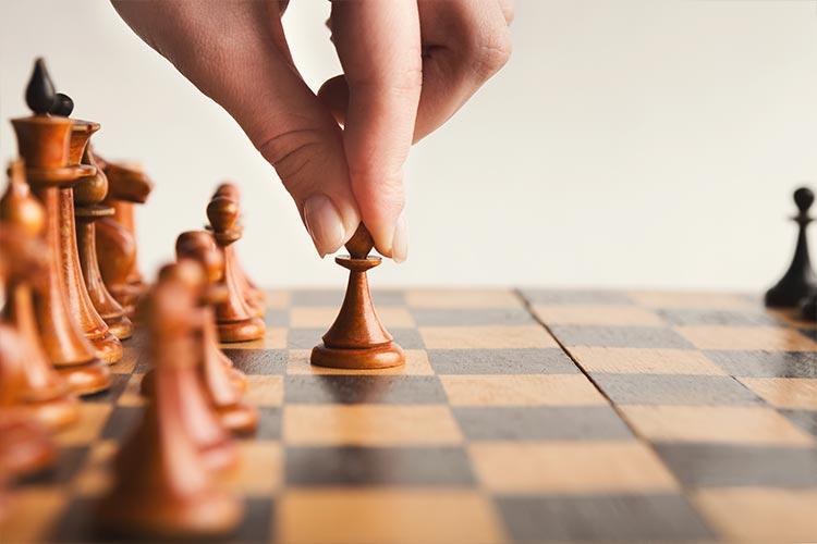 Schaakspel waarbij de openingszet wordt gezet bij online marketing door Marketing Spectrum